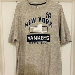 MLB New York Yankees shirt